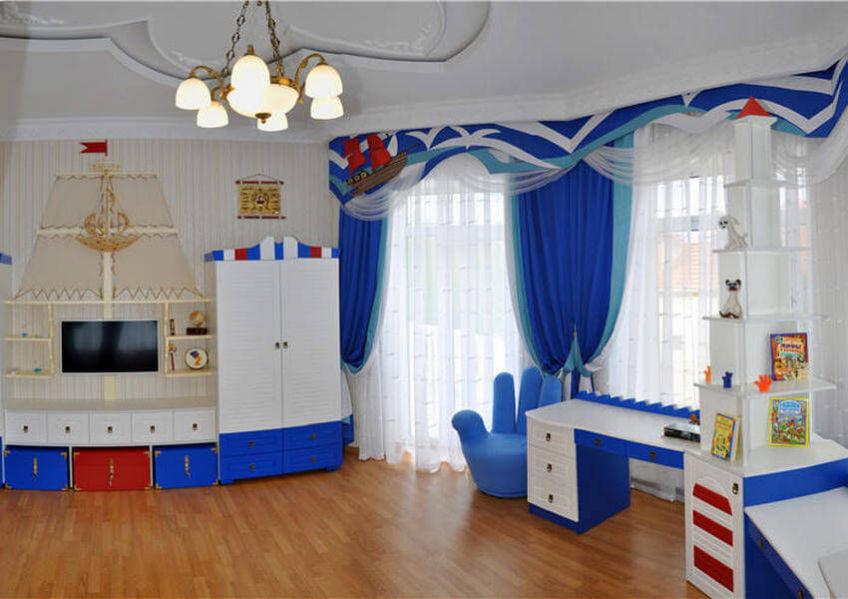 Голубые шторы в детскую комнату