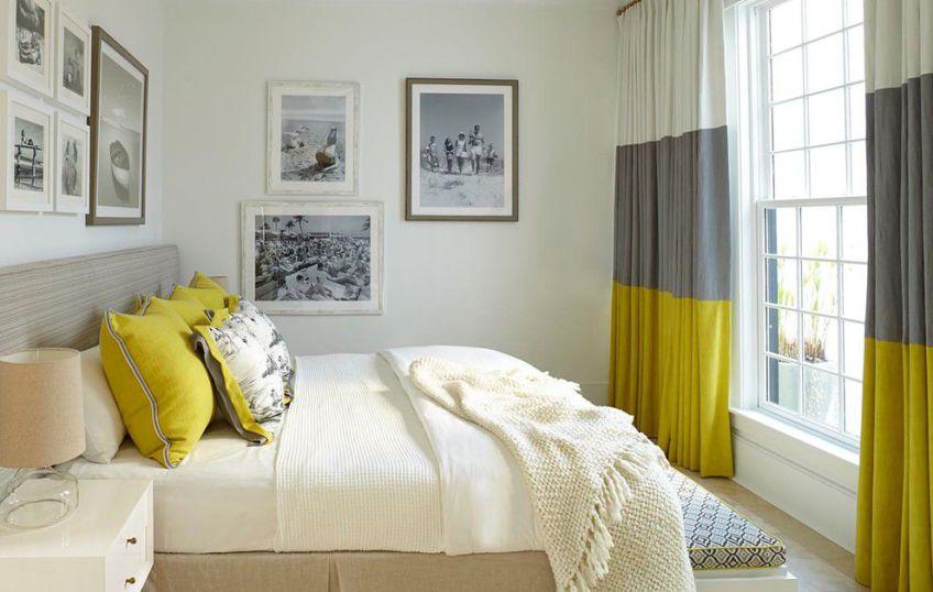 Шторы в белую (светлую) спальню