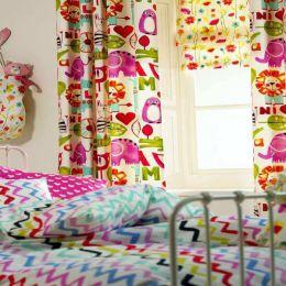 Контрастные шторы для детской